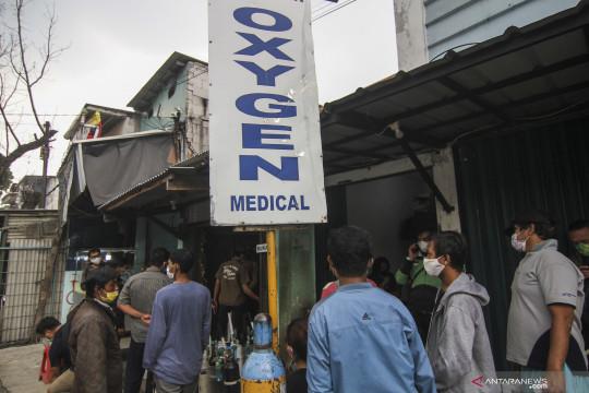 Sudin LH Jaksel distribusikan tabung oksigen ke RS rujukan COVID