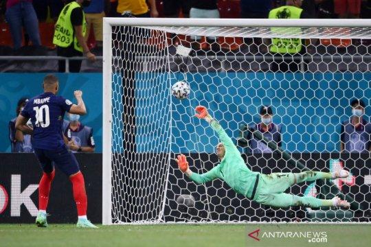 Kylian Mbappe minta maaf gagal dalam adu penalti