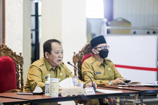 Kasus meningkat, jam malam diberlakukan di Kabupaten Jember-Jatim