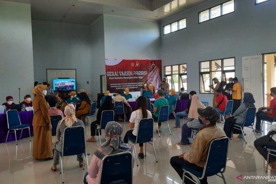 35.000 warga Kabupaten Tangerang ikut vaksinasi massal serentak