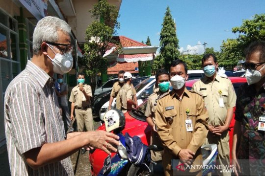 """Ganjar meminta TNI/Polri bantu pelaksanaan """"lockdown"""" di 7.000 RT"""