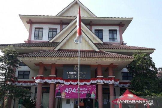 Pelayanan masyarakat di Kecamatan Ciracas kembali dibuka