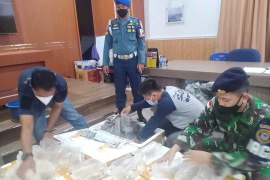Lanal Karimun menggagalkan penyelundupan baby lobster tujuan Singapura