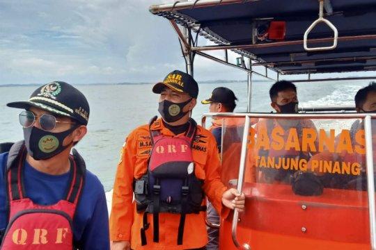 Seorang nelayan hilang kontak di perairan Bintan ditemukan selamat