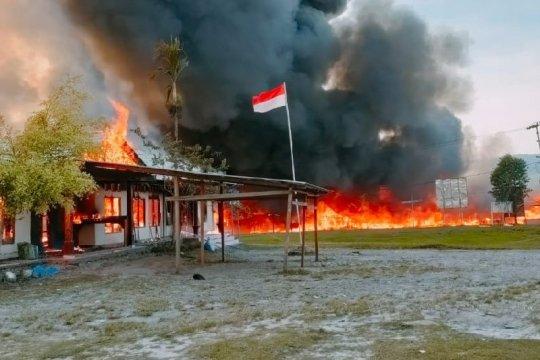 Flash-Usai putusan MK, massa  bakar fasilitas pemerintah di Yalimo