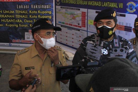 Lantamal VII Kupang  kerahkan KRI untuk vaksinasi di daerah pesisir