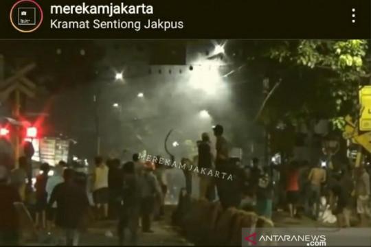 Polres Jakarta Pusat buru pelaku tawuran pemuda di Stasiun Sentiong