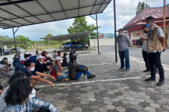 Polres Bintan amankan 53 PMI ilegal