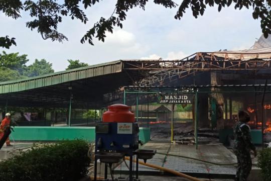 Masjid Jayakarta Jakarta Timur terbakar