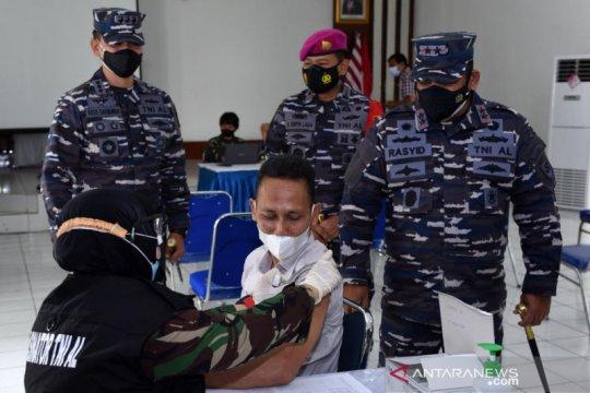 TNI AL bantu program vaksinasi di Jakarta Utara dan Kepulauan Seribu