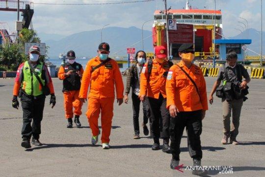 Basarnas Surabaya kirim kapal untuk cari korban kecelakaan KMP Yunicee
