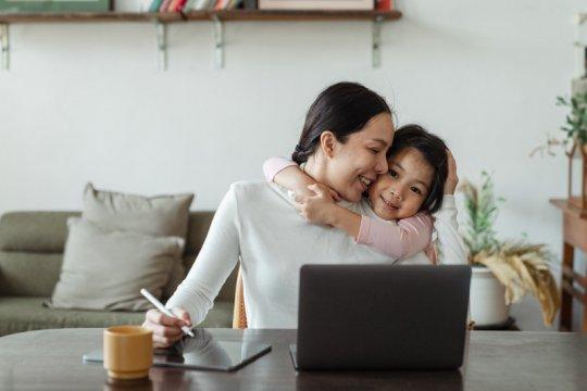 Terapkan kebiasaan digital yang sehat dalam keluarga