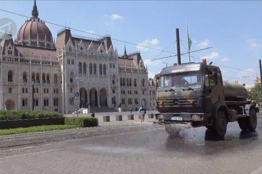 Budapest naikkan peringatan gelombang panas ke level tertinggi