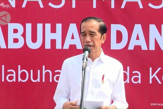 Presiden tinjau vaksinasi massal di pelabuhan dan terminal Jakarta