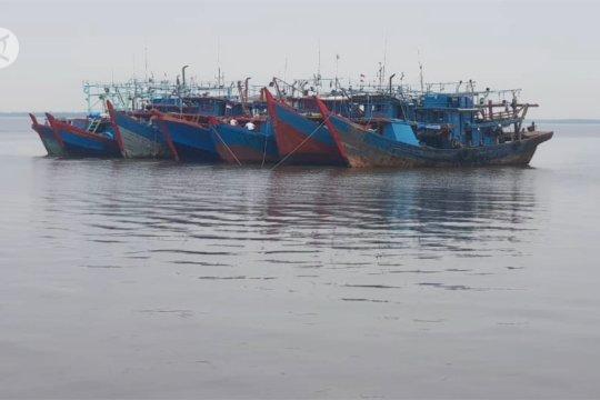 KKP tangkap 7 kapal pukat harimau di perairan Rokan Hilir