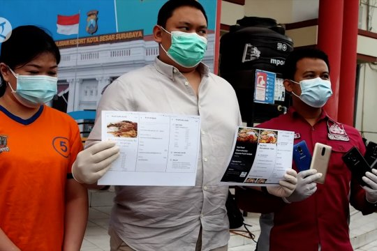 Polisi tangkap pemilik puluhan restoran bodong di Surabaya
