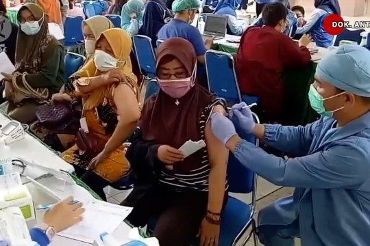 Guru Besar Unpad: Observasi kasar, 30% masyarakat menolak vaksinasi