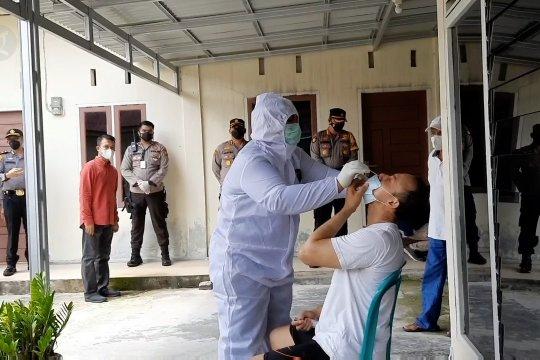 Kasus turun, Riau waspadai mutasi baru virus corona