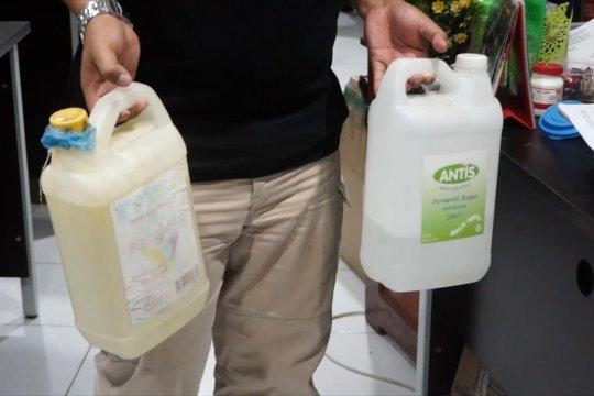 Polda Papua amankan ratusan liter disinfektan palsu