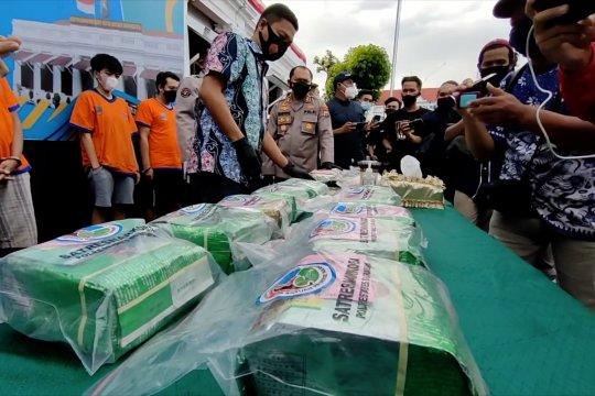 Polrestabes Surabaya gagalkan peredaran 20,4 kilogram sabu-sabu