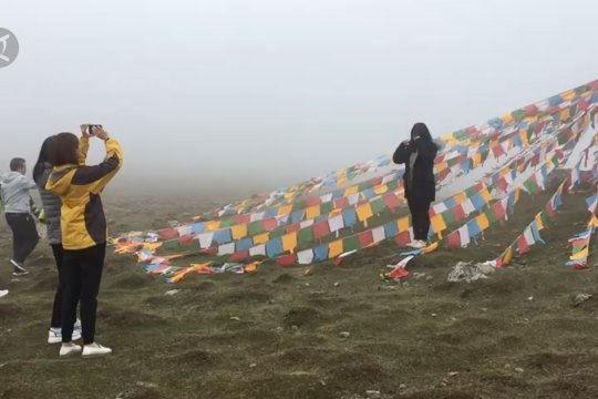 Mendaki puncak Bars Snow di ketinggian 3.830 mdpl