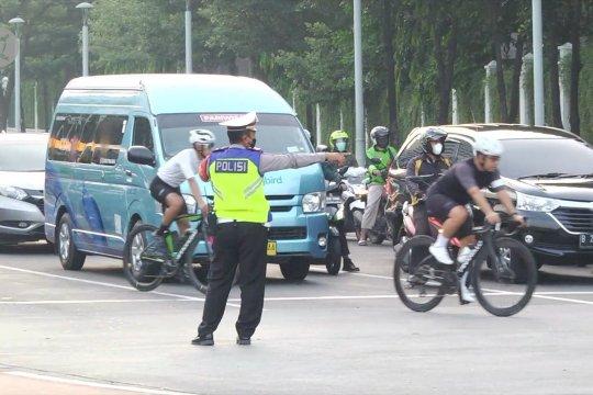 Road bike kecepatan tinggi bisa keluar jalur di jam tertentu