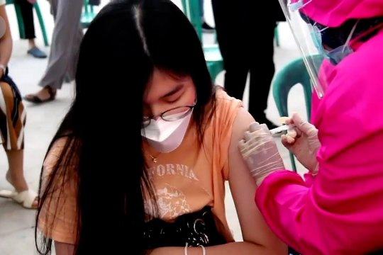 Vaksinasi massal di Cirebon sasar belasan ribu warga