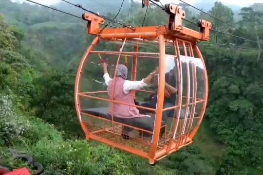 Sensasi naik gondola di desa wisata Gunung Merapi