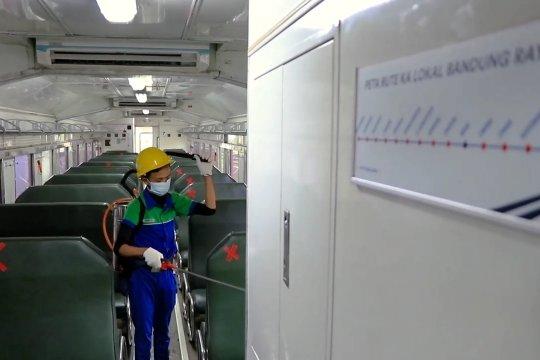 Sterilisasi kereta api lokal putus rantai penularan COVID-19 di Bandung Raya