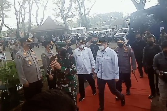 Ditinjau Kapolri & Panglima TNI, Madiun vaksinasi 1.500 orang