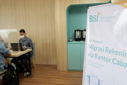 Pekan kedua, baru 30 persen nasabah ex BNIS dan BRIS migrasi ke BSI