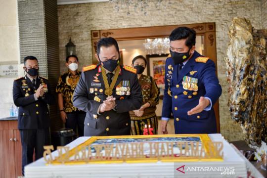 Panglima TNI berikan kejutan kepada Kapolri di Hari Bhayangkara
