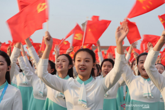 Partai Komunis China, berani tampil muda di usianya yang ke-100