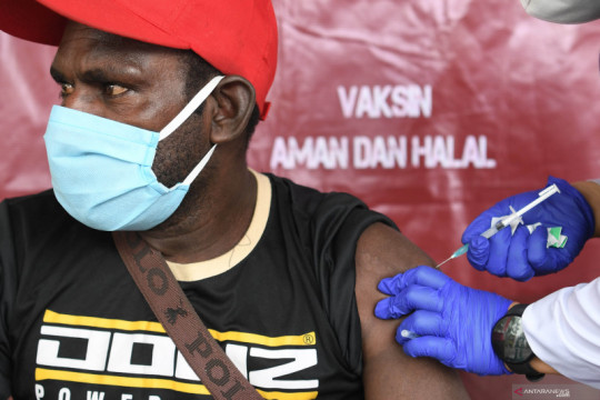 Vaksinasi  COVID-19 untuk warga Asmat