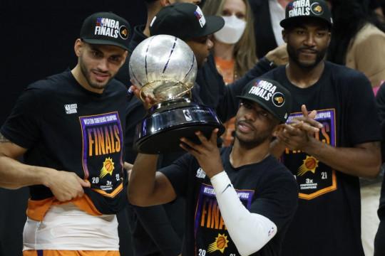 Air mata bahagia Chris Paul penuhi dahaga Final NBA