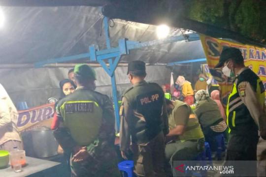Kawasan kuliner Tanjung Priok juga dipantau saat PPKM Darurat