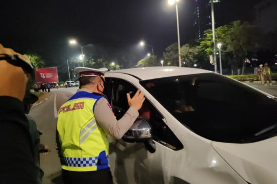 PPKM Darurat, Polda Metro mulai lakukan penyekatan Sabtu dini hari