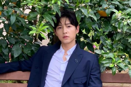 Tes COVID-19 negatif, Song Joong Ki tetap isolasi mandiri
