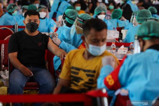 Pelaksanaan Vaksinasi Gotong Royong di Surabaya dipercepat