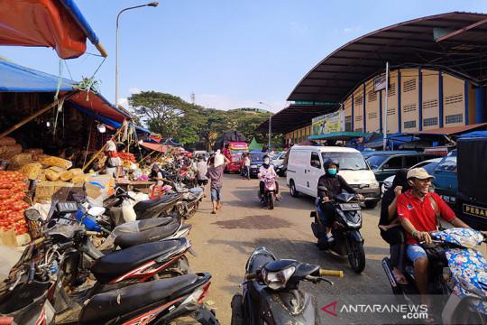 Pasar Induk Kramat Jati panggil pengelola parkir terkait dugaan pungli