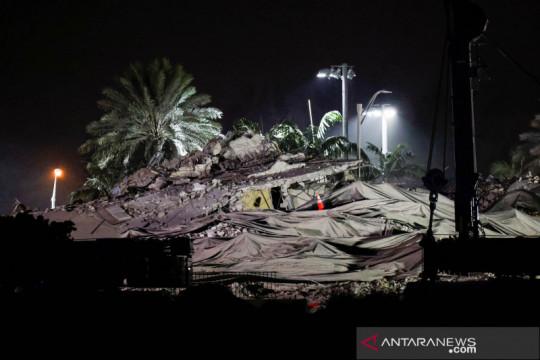 Korban tewas gedung runtuh di Florida bertambah