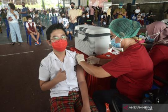 Penyuntikan vaksin COVID-19 sudah mencapai satu juta dosis per hari