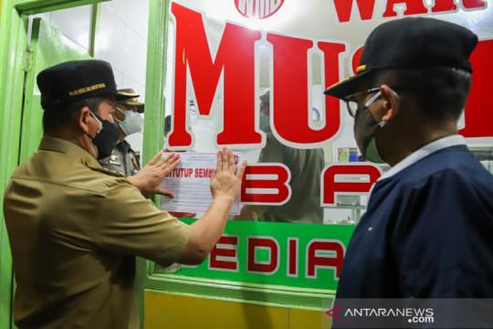 Pemkot Jakarta Utara tertibkan warung makan layani pembeli di tempat