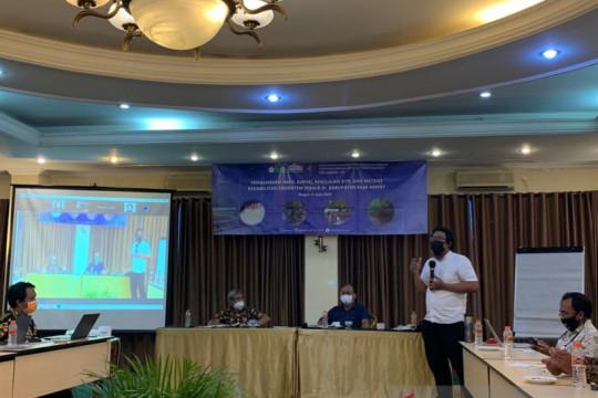 IPB University kaji program rehabilitasi ekosistem Kampung Yensawai