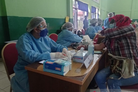 Okky Asokawati ajak masyarakat ikuti vaksinasi COVID-19