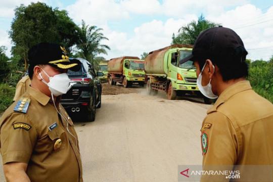 Pemprov Kalteng bantu material penanganan darurat jalan lingkar Sampit
