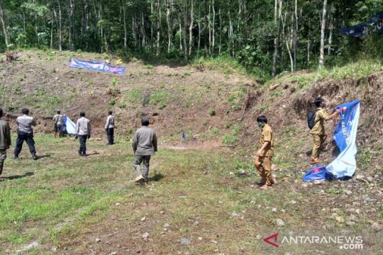 Satgas COVID-19 bubarkan turnamen sepak bola di Buniwangi Sukabumi
