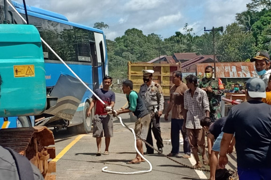Bus Damri kecelakaan di Kapuas Hulu, tidak ada korban jiwa