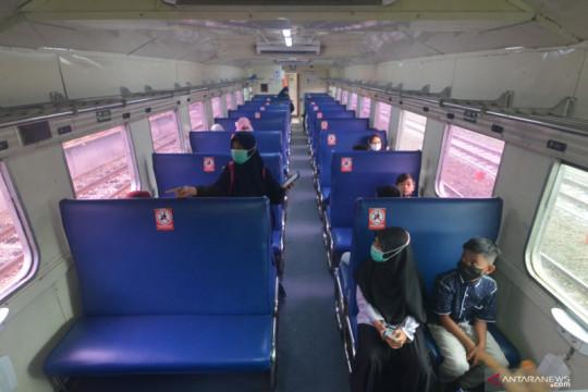Ini syarat perjalanan KA Jarak Jauh dan KA Lokal mulai 26 Juli