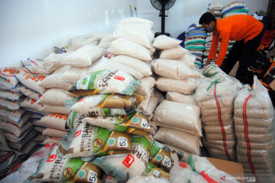 Pemerintah akan bagikan 11.212 ton beras selama PPKM Darurat Jawa-Bali